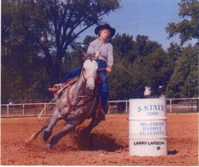 Good son of Easy Cord winning 2nd in 5 State Barrel Maturity in Rapid City.  Ridden by Kay Epp.